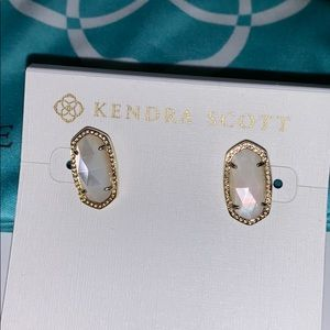 New! Kendra Scott Ellie stud earrings